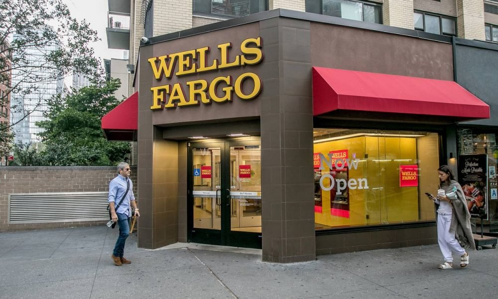Wells Fargo Announces Plan to Layoff About 1,000 Of Its Employees in